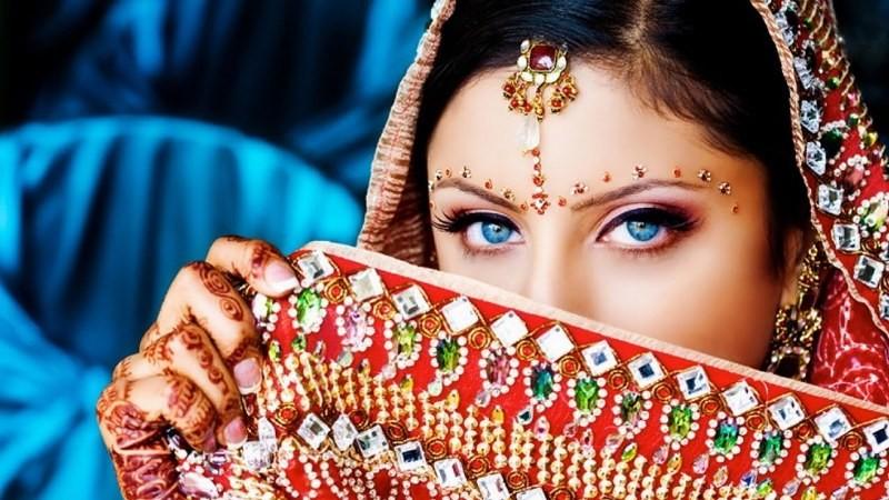 مسابقة ملكة جمال الهند تثير جدلاً واسعاً بسبب لون بشرة المتسابقات!!