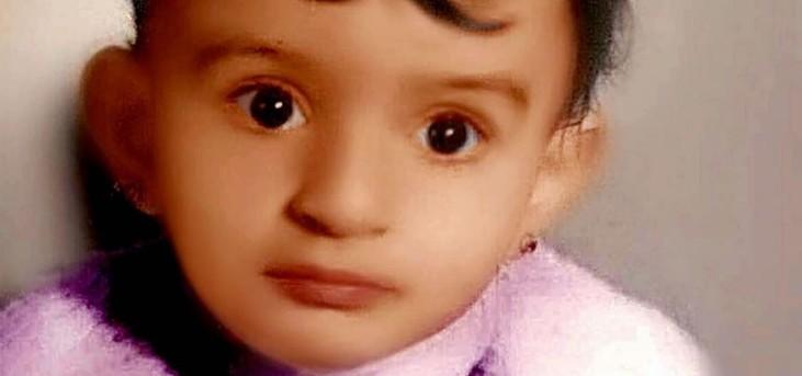 خمنوا من هي هذه الطفلة التي أصبحت ممثلة سورية شهيرة