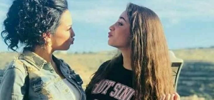 إبنة صفاء سلطان تُبكي والدتها في عيد ميلادها والسبب..بالفيديو