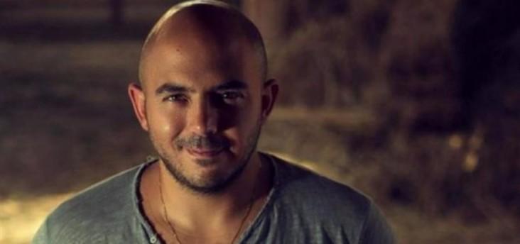 محمود العسيلي يصحح أخطاءه مع معجبيه ويحيي زفاف إحدى متابعاته مجاناً
