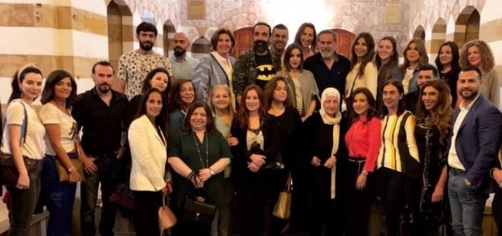 نجوم الدراما اللبنانية يجولون في صيدا القديمة..بالصور